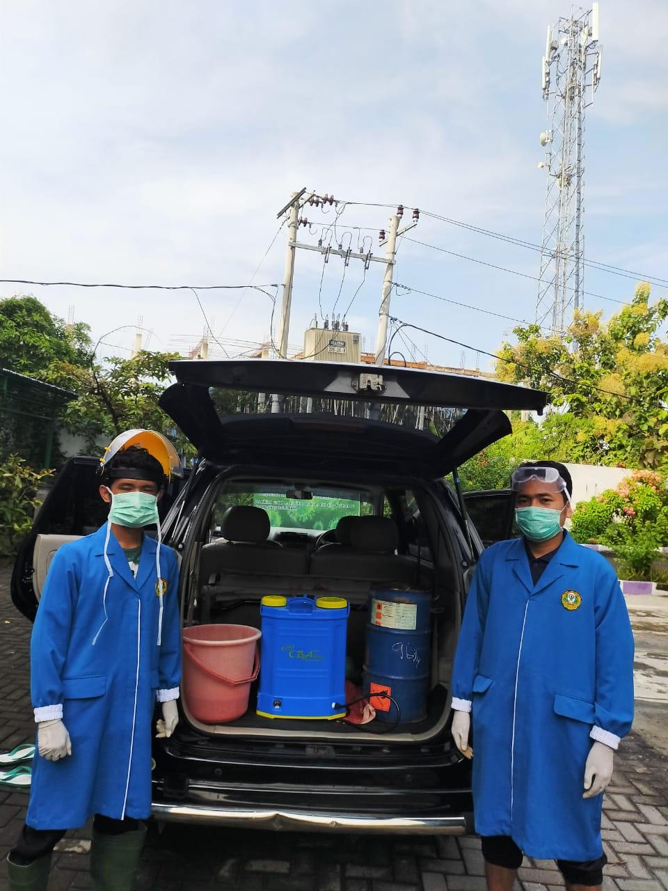 Kerja Bhakti Penyemprotan Desinfektan Massal di Wilayah RW II Pedurungan Tengah 11 April 2020